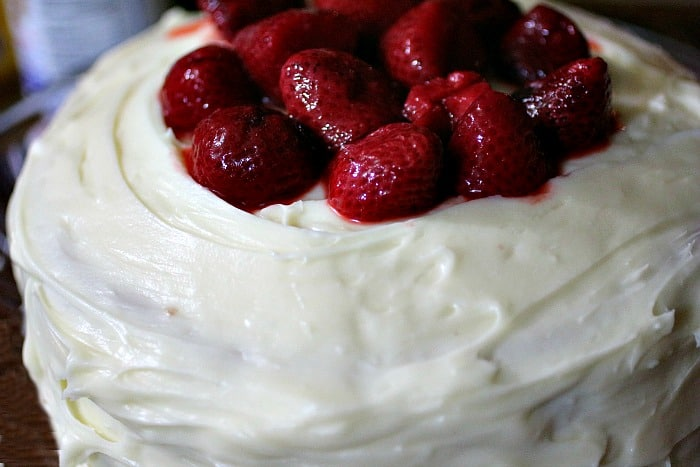 Strawberry-Cake-with-Vanilla-Cream-Cheese-Frosting-1