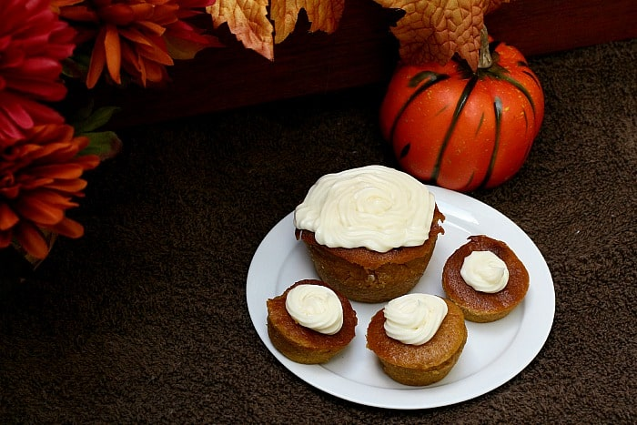 pumpkin pie with cream